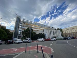 Brno pozastavilo přípravy prodeje Bílého domu
