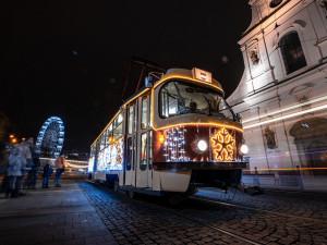 FOTOGALERIE: Z adventních trhů se vytratil ruch a tlačenice. Zůstal klid a vánoční atmosféra