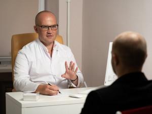 Kvůli koronaviru se v Česku vystupňoval problém s nedostatkem psychoterapeutů