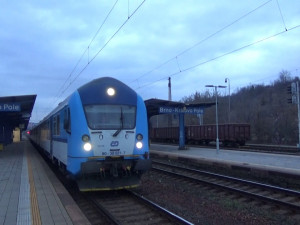 Vlak na nádraží v Brně srazil a zabil muže