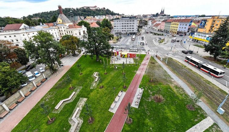 Dívčí bitka na Mendláku. V Brně se porvaly tři nezletilé dívky se dvěma mladými ženami