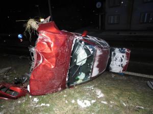 Opilí šoféři včera brázdili jižní Moravu, šofér s víc jak třemi promile převrátil auto na střechu