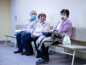 Online registrace není třeba, stačí dojít. Kraj spouští očkování seniorů v malých obcích jižní Moravy
