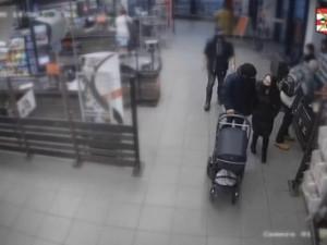 VIDEO: Zloděj stihl sedmkrát zaplatit kartou, kterou ukradl skoro osmdesátileté paní, pátrá po něm policie