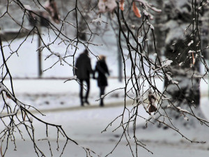 POČASÍ NA ÚTERÝ: Zataženo až oblačno, večer sněžení