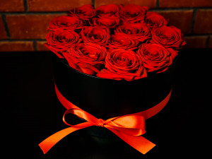 Rudé růže na ústupu a romantická večeře z plastové krabičky, i takový bude letošní Valentýn