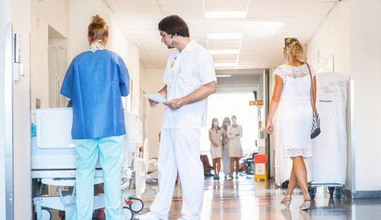 Úrazová nemocnice v Brně zaměstná mladé odborníky