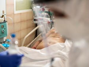 Pandemie vytvořila novou kategorii nemocných potřebujících následnou intenzivní péči