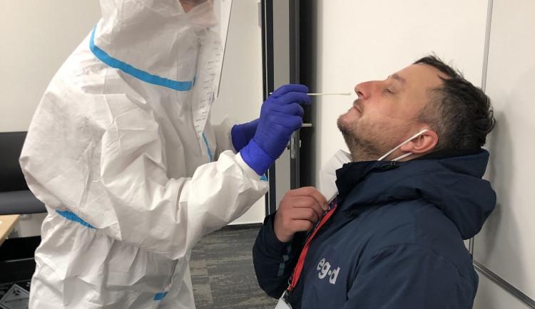 E.ON zahájil testování zaměstnanců na COVID-19. První odběry byly vBrně