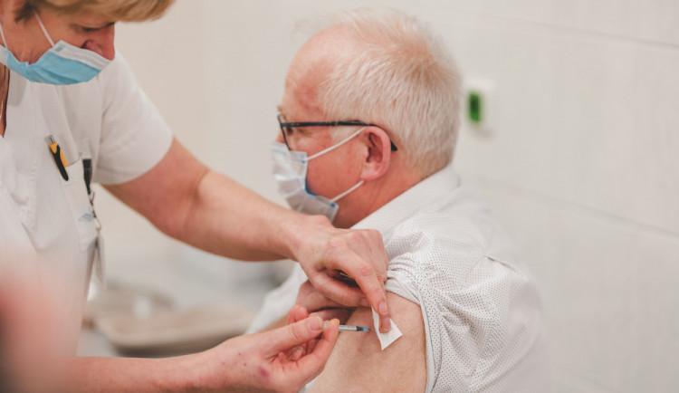 Lidé se budou moci nechat očkovat u praktického lékaře, kraj vydal interaktivní mapu