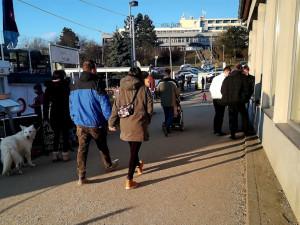 Slunce v Brně vylákalo cyklisty a chodce na stezky i k přehradě