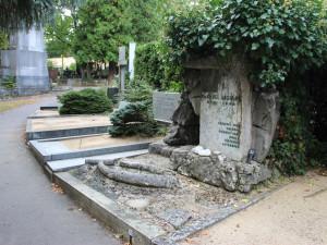 Nájemcům, co se dlouhodobě nestarají o hroby, hřbitov vypoví smlouvy