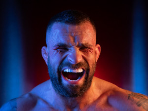 Karlos Vémola nesplnil váhový limit a přišel o pás šampiona Oktagonu