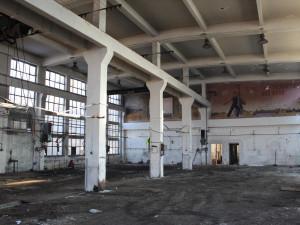 Oslavanská elektrárna se bourá, podívejte se na unikátní snímky mizejícího areálu