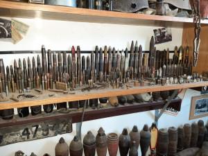 Zemřelý muž po sobě zanechal nebezpečné dědictví, rekreační chatu měl plnou ostré munice