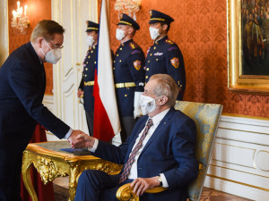 Ministr zdravotnictví Jan Blatný končí, nahradí ho Petr Arenberger
