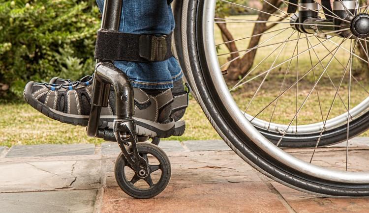 Agresor v Brně bezdůvodně zbil muže na invalidním vozíku
