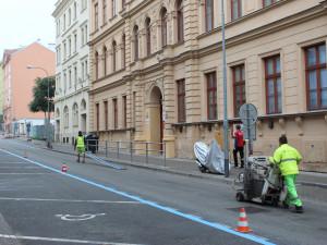 Brno rozšíří rezidentní parkování, modré zóny zamíří do sedmi nových oblastí
