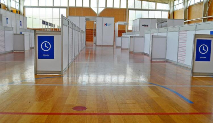 Vyškovské očkovací centrum se přesouvá do sportovní haly