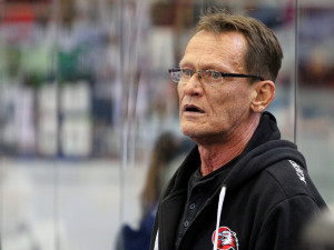 Ve věku 61 let zemřel bývalý hokejový útočník a trenér Fryčer