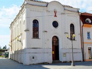 Vyškovská synagoga má novou střechu, opravy zdržela zima i škůdci