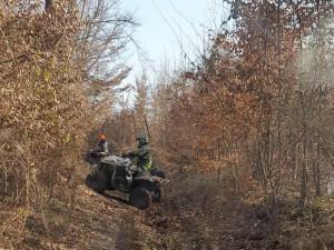 Strážci se zlobí, jezdci na motorkách a čtyřkolkách pustoší lesy