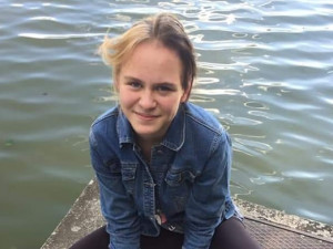 Dvanáctiletá Nela z Vyškova se nevrátila domů, pátrají po ní policisté