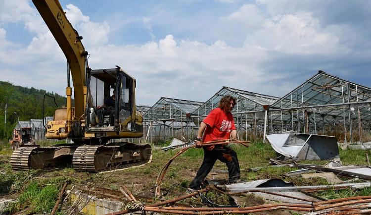 V Blansku bourají staré skleníky, aby vzniklo obchodní centrum