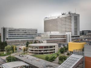 Fakultní nemocnice Brno bude mít návštěvy dva dny, svatá Anna zatím ne