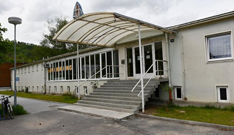 Hráči a fanoušci se dočkají rekonstrukce sociálního zázemí ve sportovní hale