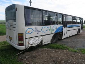 Sériového zloděje autobusů doprovodila k policistům maminka