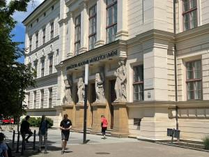 V Brně lidé vytvoří pietní místo a vzpomenou na oběti covidu
