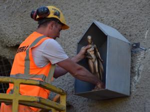 V Žabovřeské roste tunel pro šaliny, na práci dohlíží svatá Barbora