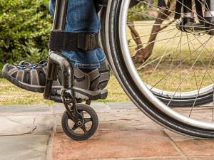 Ombudsman: Zaměstnavatelé nemají zkušenosti s opatřeními pro lidi s postižením