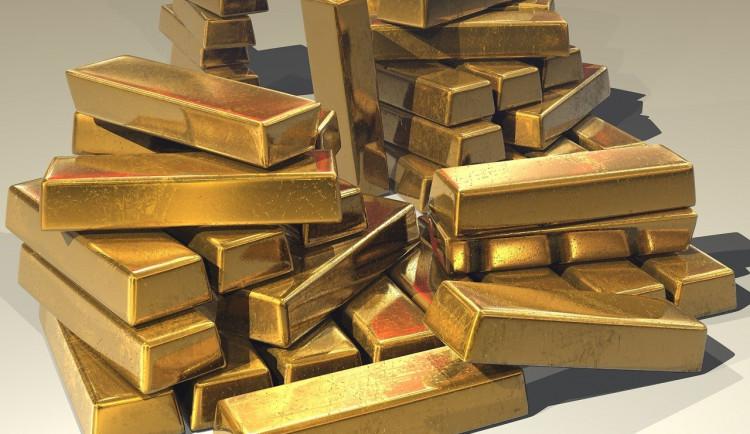 Voják lákal ženu z Brněnska na zlato a diamanty, poslala mu dvě stě tisíc korun