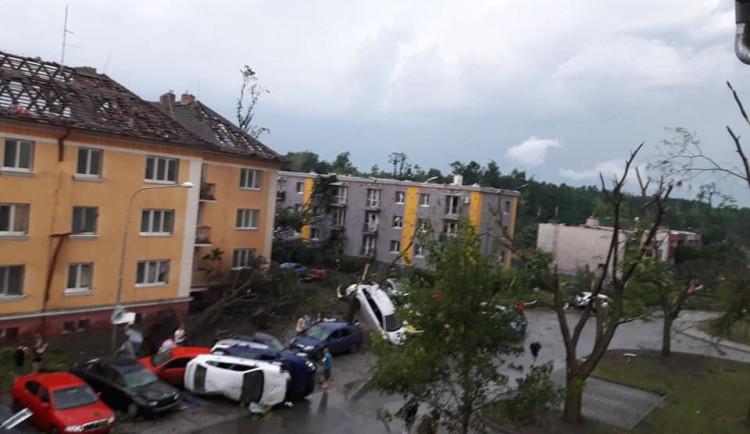 FOTO/VIDEO: Apokalypsa. Jižní Morava zažila tornádo, některé obce jsou zničené