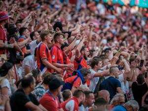 Na zápas Česka s Dánskem může přes třicet tisíc fanoušků. Lístky jdou do prodeje