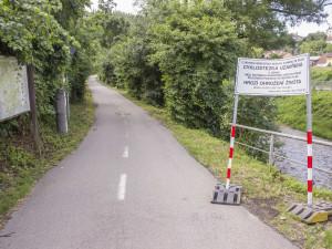 Cyklostezka mezi Bílovicemi a Obřany je ode dneška opět otevřena, práci na ní zkomplikovali neukáznění cyklisté
