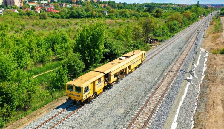 Z Brna do Střelic natahují dráty, vlaky čeká až do září nová výluka