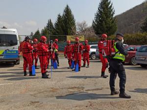 Štěrkovnu u Moravské Nové Vsi prohledávají policejní potápěči