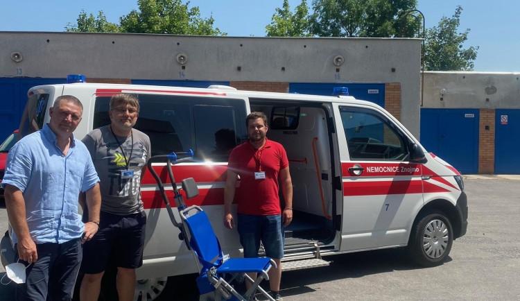 Přepravu jihomoravských pacientů ulehčí nový schodolez