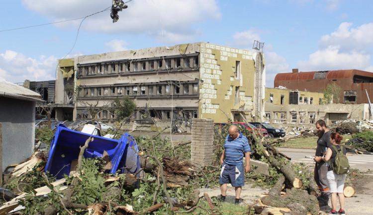 Pomoc tornádem zasaženým oblastem nabídlo přes padesát architektů