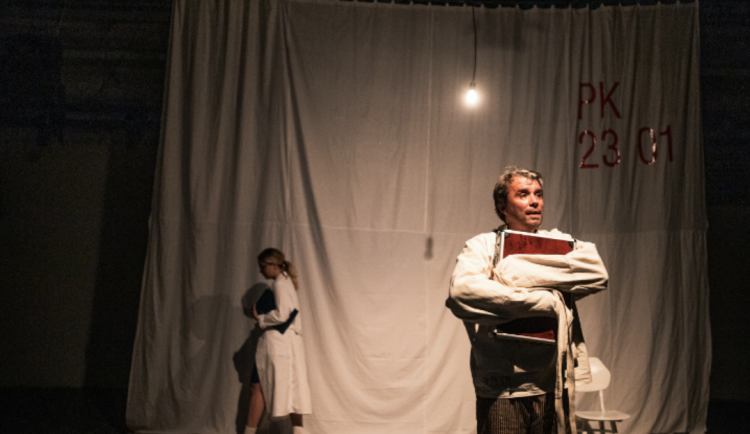 V Brně vznikla divadelní hra o miliardářovi Petru Kellnerovi