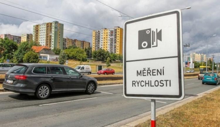 Zběsilou jízdu devatenáctiletého suveréna ukončili v Brně strážníci