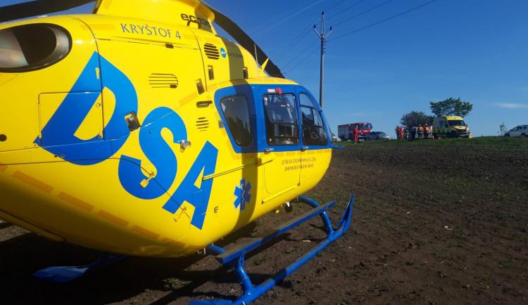 Cyklistka se v Břeclavi střetla s autem, letěl pro ni vrtulník