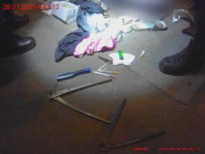 Zlodějky vykradly stánek v Brně, z podchodu utíkaly v odcizených botách