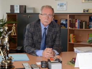 Nejistota kolem protikoronavirových opatření podle ombudsmana ohrožuje důvěru lidí