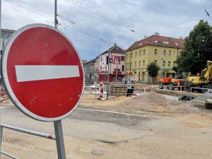 Brňané se opravenou křižovatkou u Semilassa projedou už v pondělí
