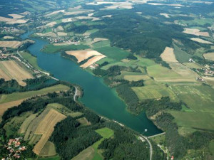 Letovická nádrž přijde o vodu, vodohospodáři odstraní ze dna sedimenty