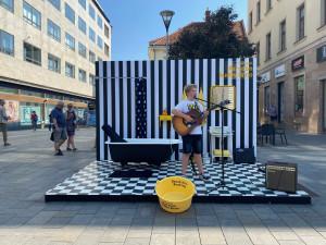 V Brně odstartoval Maraton hudby, umělci hrají i v pokojíčcích na ulici
